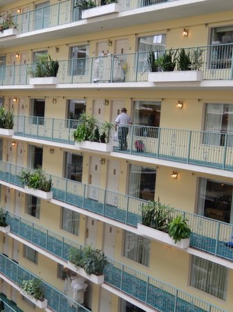 Embassy Suites by Hilton Fort Lauderdale 17th Street: Great rooms