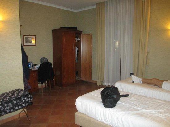 Hotel Nuvo: triple room