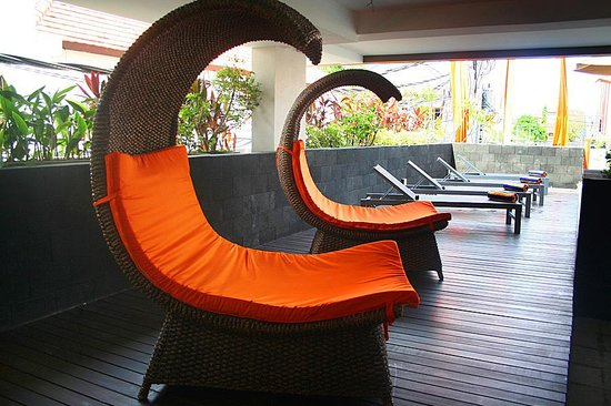 The Edelweiss Boutique Hotel Kuta : Pool Chair
