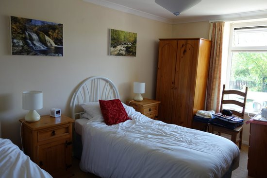 Four Wynds Guest House: Bedroom