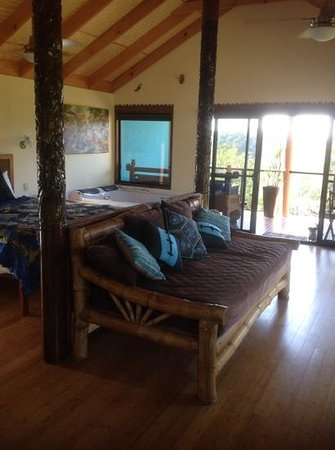 Maleny Tropical Retreat: view of the interior of the chalet.