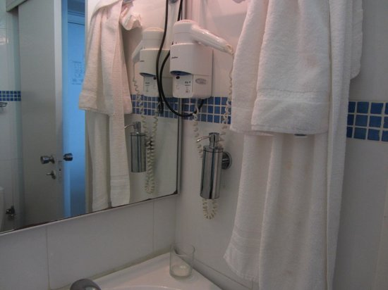 Residence Hotel: hair dryer and big mirror, good quality appliances
