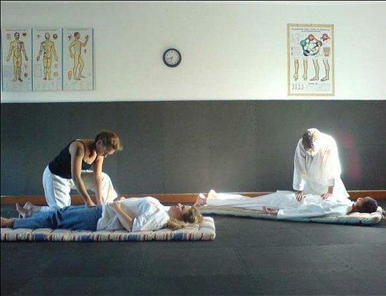 Hemingways Nairobi: Shiatsu massage is needed I think I can offer it there