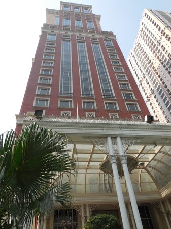 ITC Grand Central : Hotel front