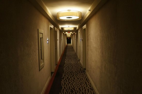 The Dupont Circle : The hallway.