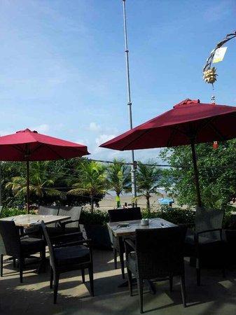 FuramaXclusive Ocean Beach: 식당