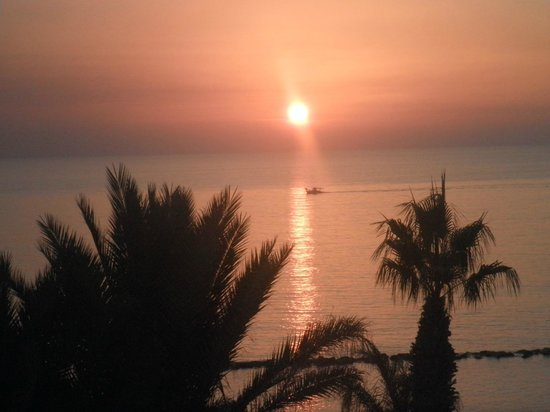 Alexander The Great Beach Hotel: Amazing sunsets in November