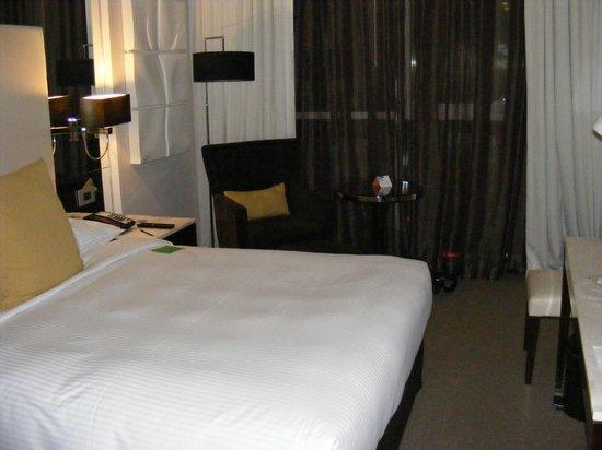 Centro Al Manhal Abu Dhabi by Rotana: View of bedroom