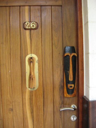Lobo Wildlife Lodge: Door decoration