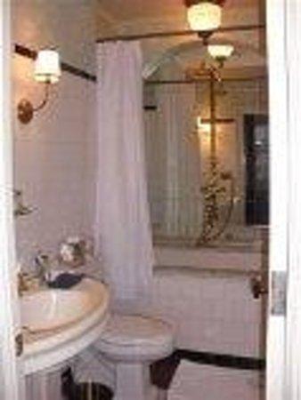 Lafayette House: salle de bains sompteuse