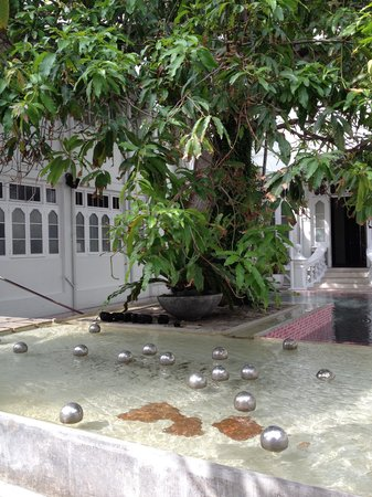 CASA Colombo Collection: Water feature rear of hotel