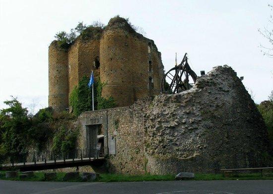 Chateau de Franchimont: Вход в замок