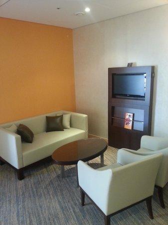 ibis Ambassador Busan City Centre: Junior Suite Seating area 1