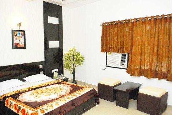Hotel Rudra Mahal: Super Delux Room