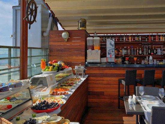 Burckin Suites Hotel: restaurant