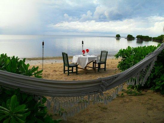 Nukubati Private Island : DINNER NUKUBATI STYLE
