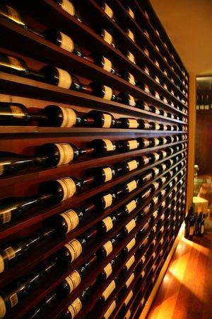 Vivo Enoteca Cucina: Wine Library