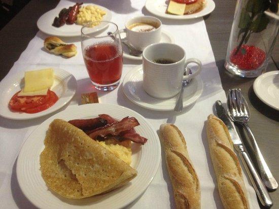 Petit d jeuner photo de radisson blu hotel nantes - Petit dejeuner nantes ...
