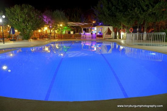 Gokcen Hotel & Apartments: swimming pool