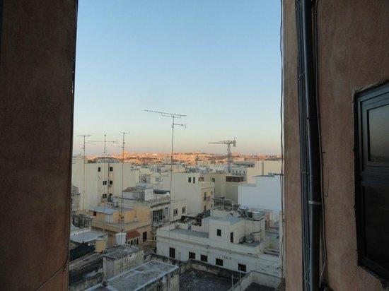 Balco Harmony Hostel: widok z okna