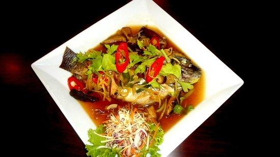 Calypso : poisson avec une sauce aigre doux