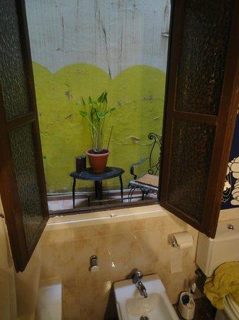 Valencia Arthouse : Vista dal bagno!