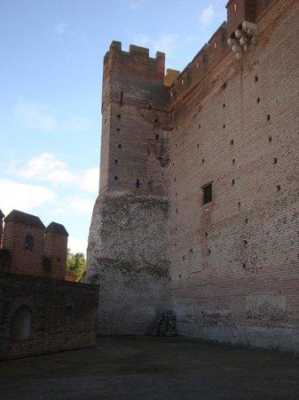 Castillo de la Mota: Diferentes épocas, diferentes materiales