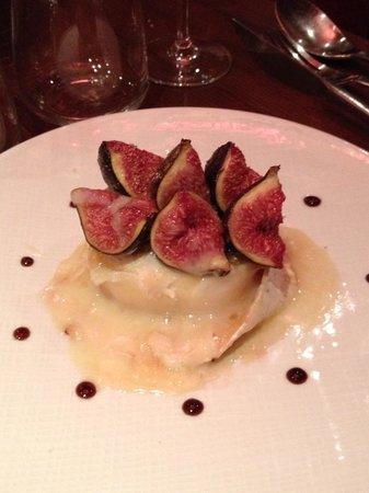 Bellagio : Entrée fromage de chèvre et son accompagnement de figues