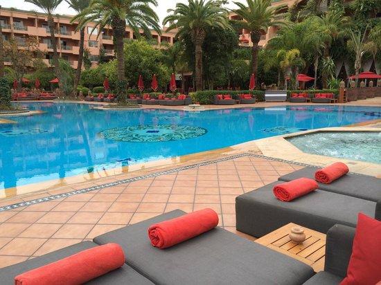 Piscine jacuzzi photo de sofitel marrakech lounge and - Piscine sofitel marrakech ...