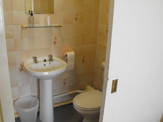 Preston Sands Hotel: bathroom