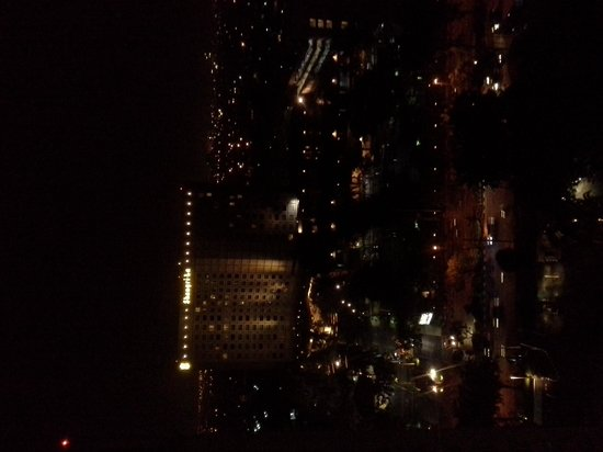 Java Paragon Hotel & Residences: view at night from floor 20