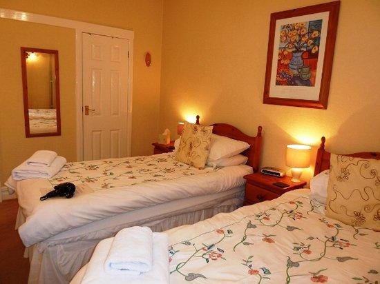 Harts Head Inn: Twin Bedroom