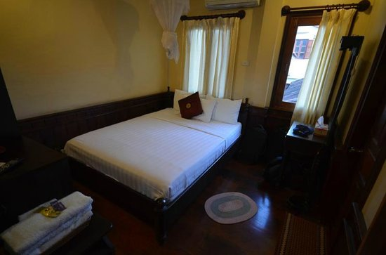 Hoxieng Guesthouse: Another view of the room