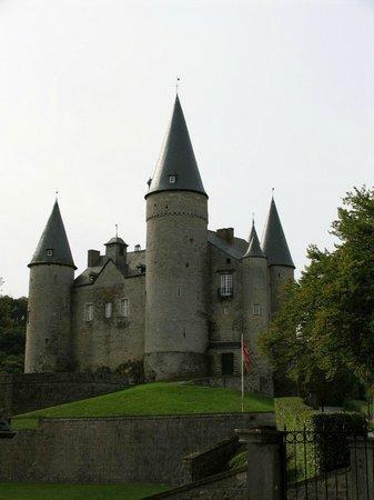 Castle Veves: Вид снаружи