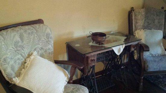 El Balcon de las Nieves: zona de estar de la habitacion
