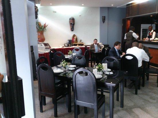 Planet Hotel: salle du petit déjeuner