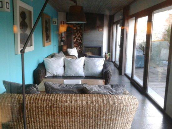 Hotel Boutique & Spa Capitulo Trece: Salón con chimenea