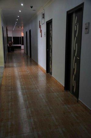 Hotel Barbareek: Corridor