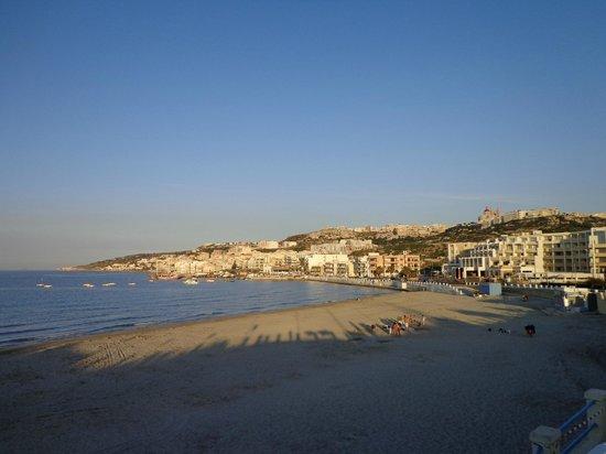 db Seabank Resort + Spa: Mellieha strand