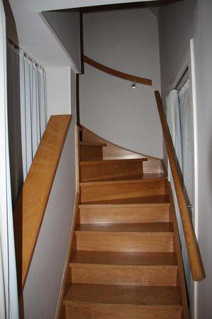 Bonobo Apart Hotel: Лестница