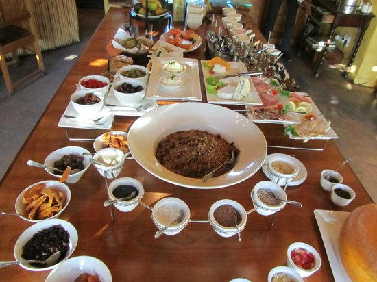 Woodall Country House and Spa: Breakfast Spread