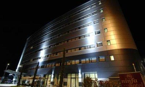 닌파 호텔