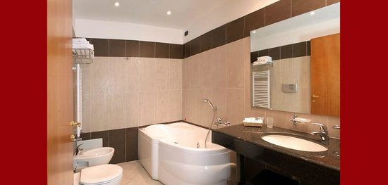 Hotel Ninfa : Bagno Suite