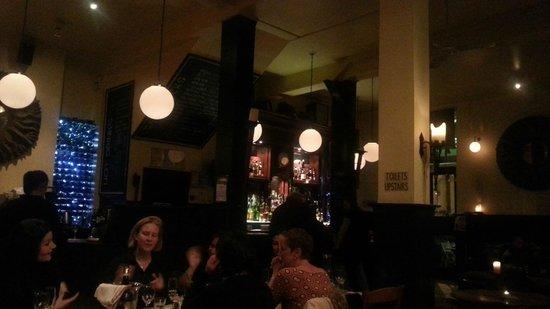 The Grove: Blick auf die Bar