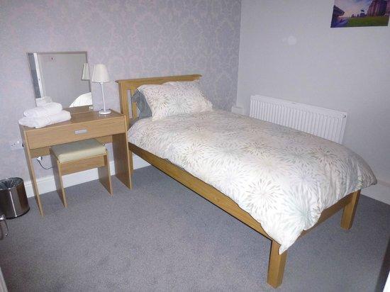 Orrell Park Hotel: Single room