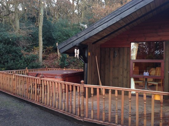 Spring Wood Lodges: Side view