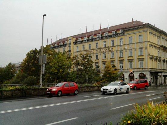 Hotel Weitzer Graz: Hotel from outside