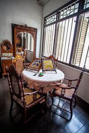 Straits Chinese Jewelry Museum Malacca: Straits Chinese Young Women's Enclave