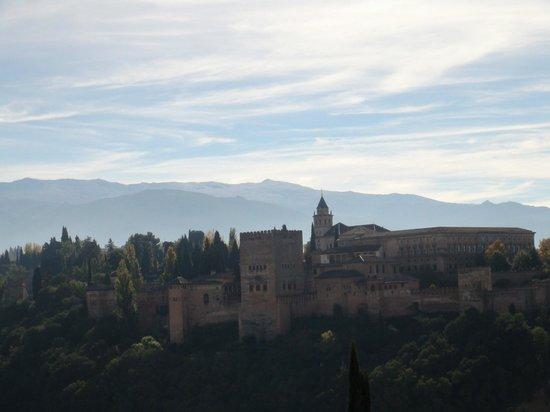 Mirador de San Nicolas: Great view on Alhambra & Sierra Nevada