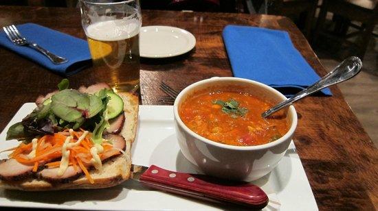 Burgoo : Soup and sandwich